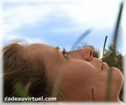 Cliquez pour choisir Allongée en pleine nature